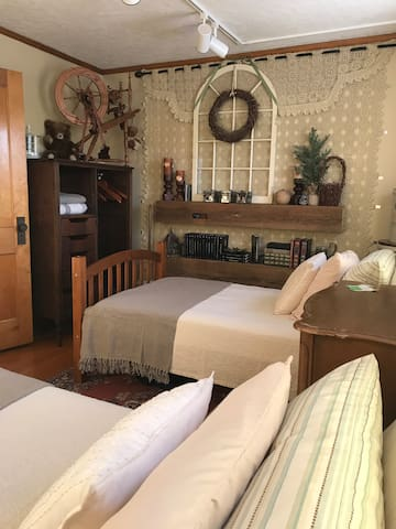 Private 2 Room Guest Suite in a Classic Craftsman