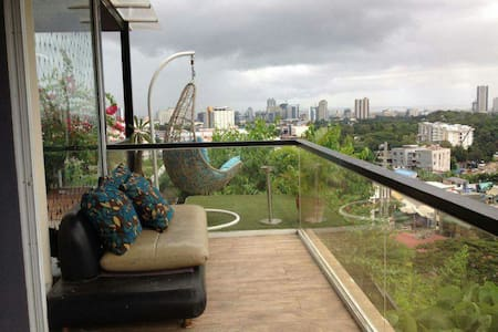 House in the City with amazing view and own pool - Cebu City