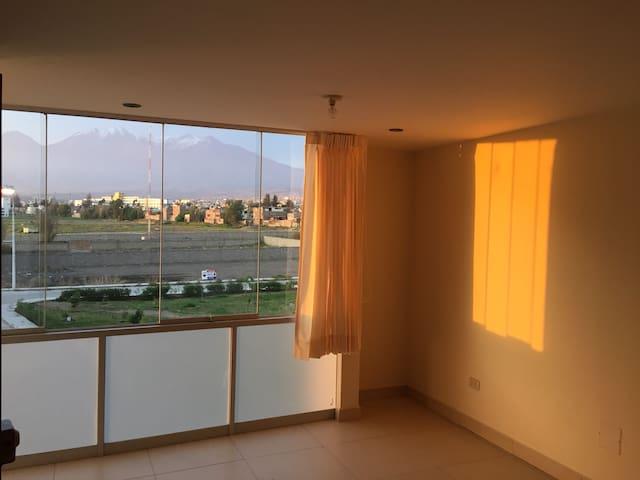 Lindo y amplio Apartamento en 2do Piso