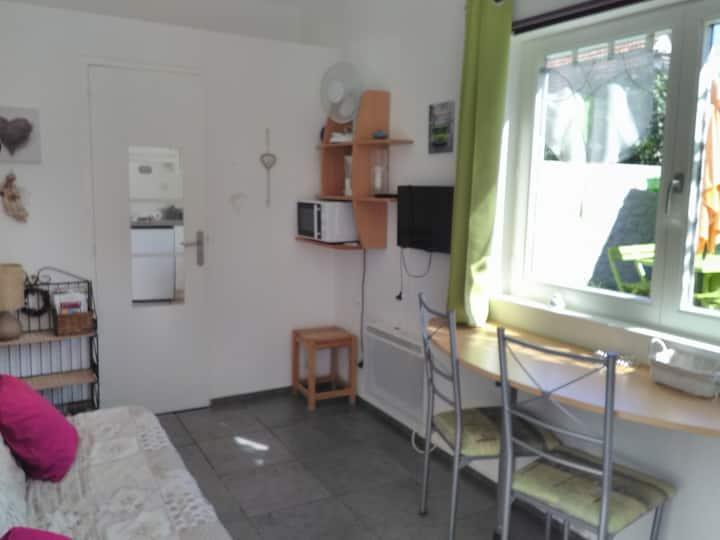 Joli petit studio neuf