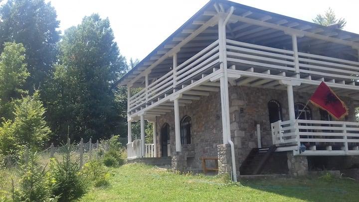 Villa Noka - Stone / Wooden House in Kosovo Alps