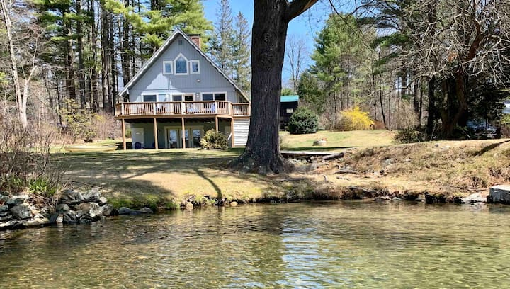 Spacious, Open Concept, WATER FRONT Lake House