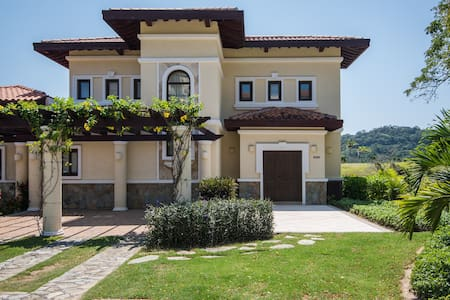 Beautiful Villa at Pristine Bay Resort