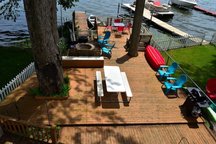 The deck extends right over the lake.