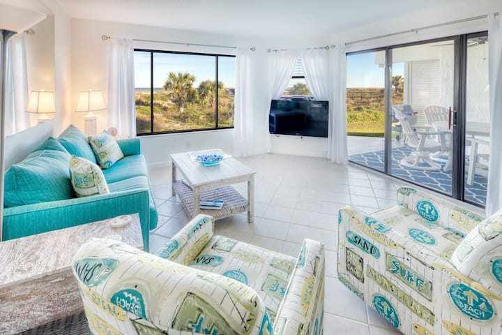 Direct Beach Front with Ocean Views