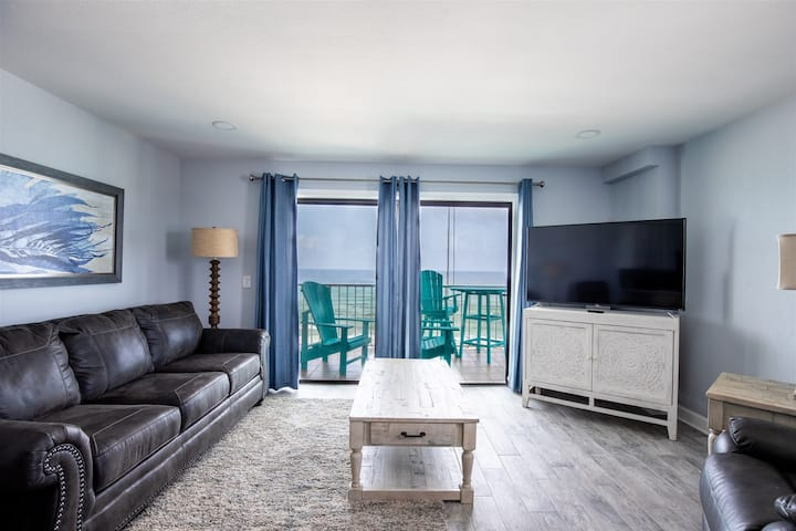 The Summit 701- Stunning Gulf Front Condo with Shared Pools and Beach Access