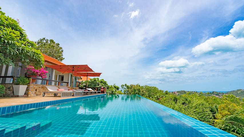 Luxury 5BR Villa. Stunning Views. Prime Location.