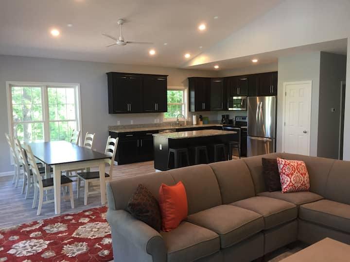 Built in 2017 - 4BR/3 BA Kentucky-Barkley Lakeview