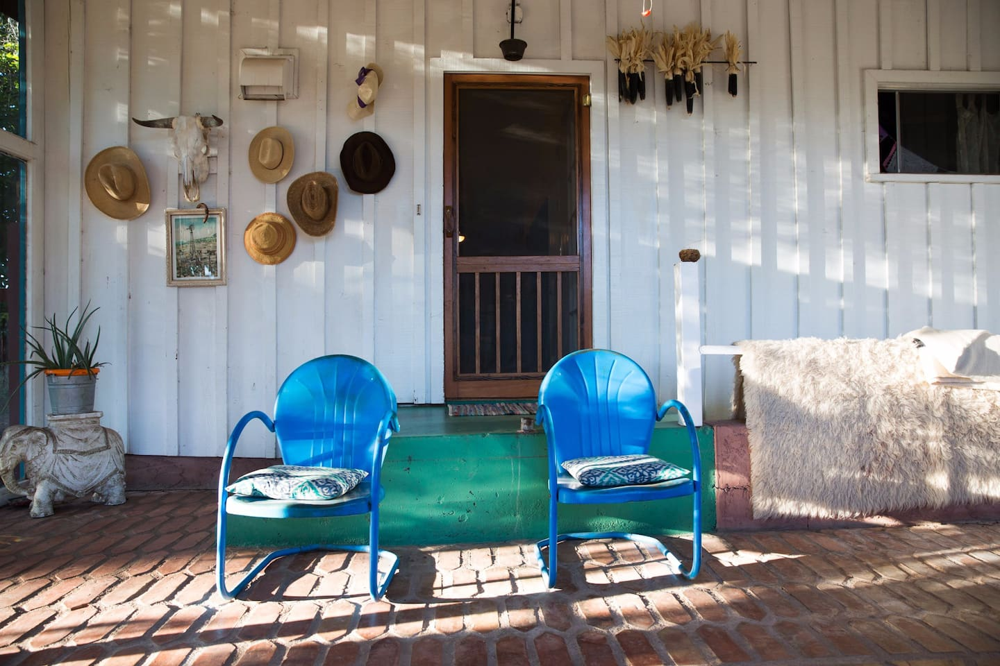 Artist home in wine country. Near creek & trees - Houses for Rent in ...