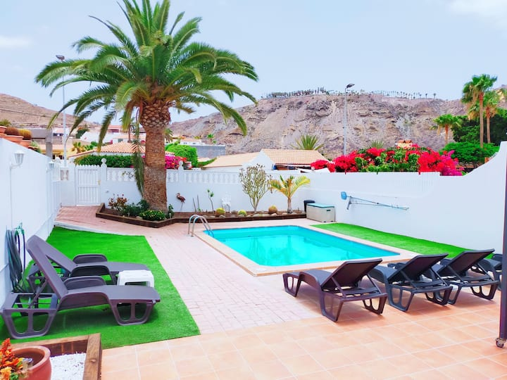 Villa with 3 bedrooms in Mogán, with private pool, enclosed garden and WiFi