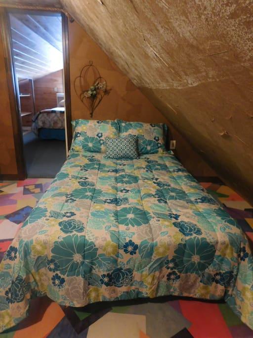 Twin Bed - Queen Suite  Room 1