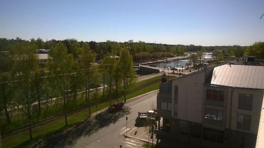 Ylimmän kerroksen luksusta ydinkeskustassa