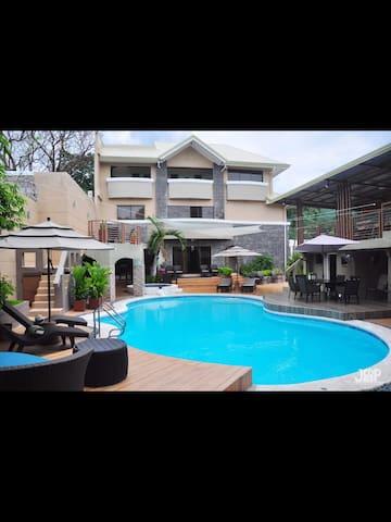 Laurens Place Hotspring Resort Los Banos