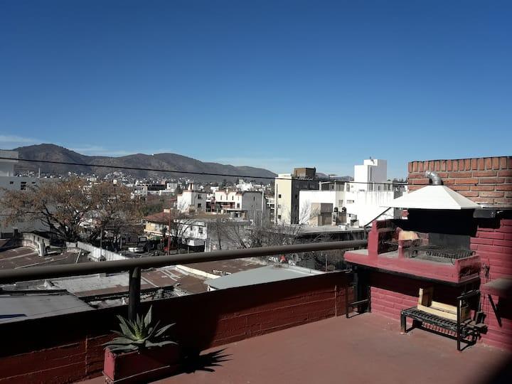 Villa Carlos Paz, dpto con terraza y asador