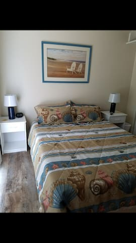 Charming 1 bedroom, 1 bath with private entrance
