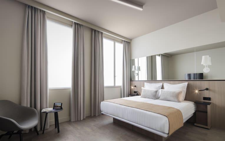 "Amazing room in ""Saint-Lazare"" district"