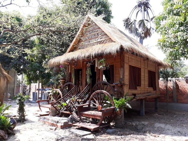 Kakrona Pouk Homestay - Adventurous Heritage Hut