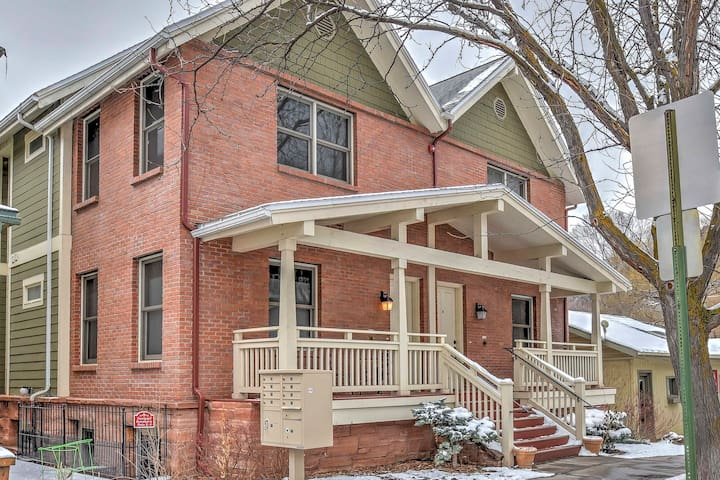 Cozy Central Glenwood Springs Condo w/ 2 Decks!