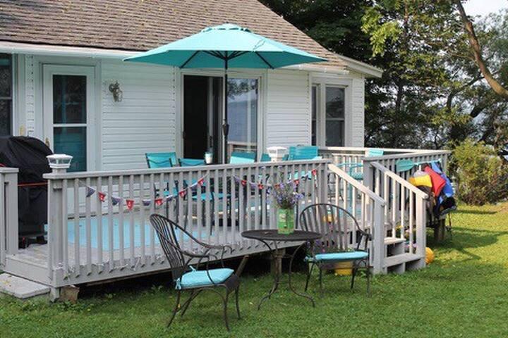 East Seneca Lakeside Retreat!