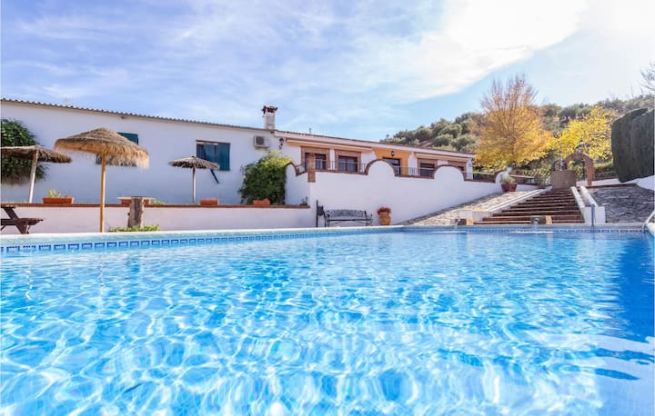 Awesome home in Priego de Córdoba with 3 Bedrooms