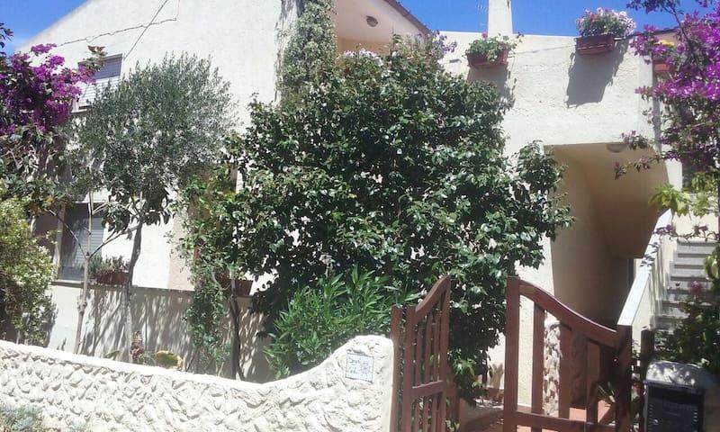Casa vacanza in villa indipendente (Alpha)
