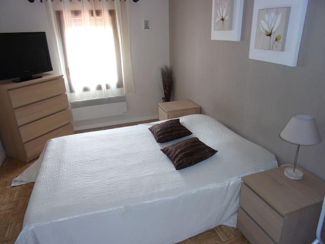 chambre privée dans une maison aux abords de metz