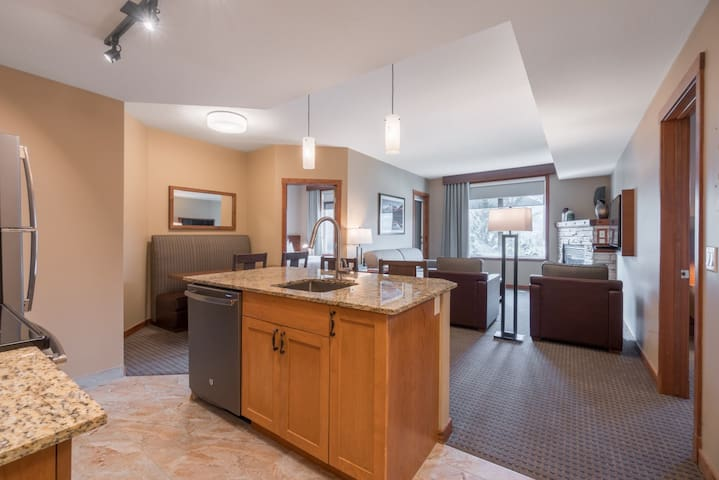 Top Floor Two Bedroom King Suite at Falcon's Own