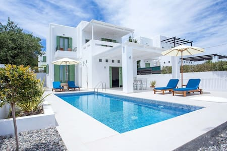 Villa Mytikas w Private Pool near village & beach