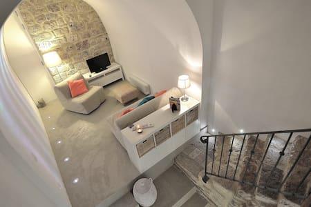 Pigi's stylish loft medieval village - Massa Marittima - Casa cova