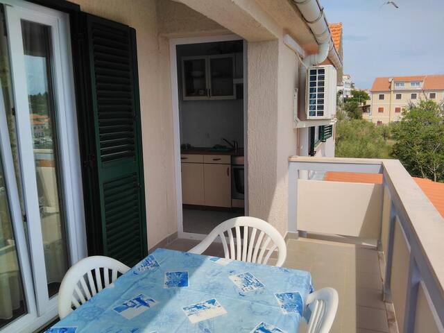 Two bedroom apartment with terrace and sea view Sali (Dugi otok) (A-444-c)
