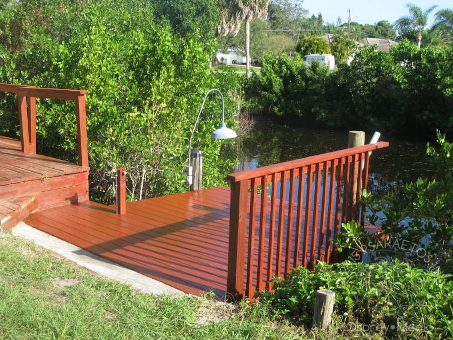 Dock is ready with access to Venice, Nokomis, the ICW and the Gulf of Mexcio. Kayaks or small motorboats are ideal.