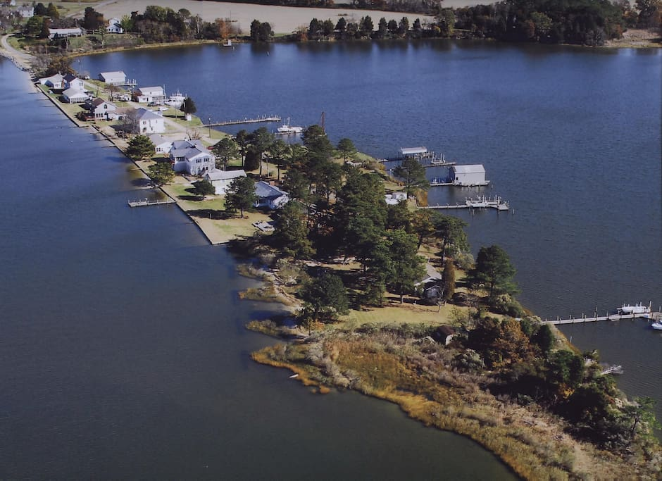 Narrows beach cottage rock fishing retreat cottages for for Fish rock rentals