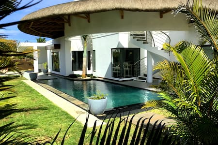 Luxurious villa - Grand Baie