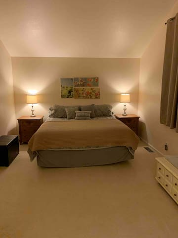 Spacious Room w/AC  Great Location/Private Bath