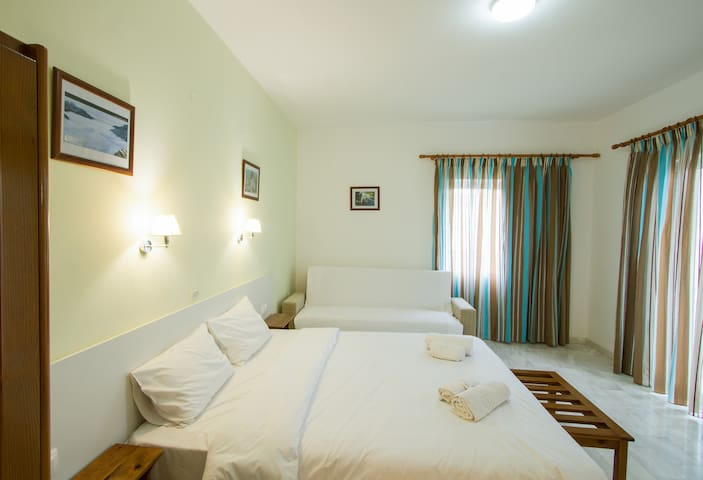 Revekka DBL BR, Clean & Backpackers, Kissamos Town