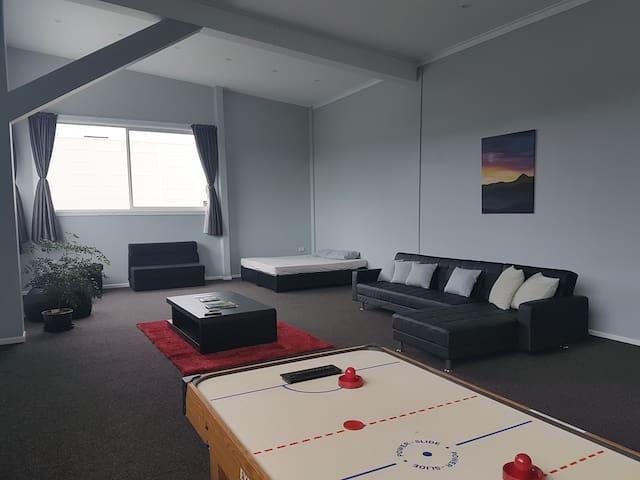 PRIVATE studio apartment The Trove =Treasure Trove