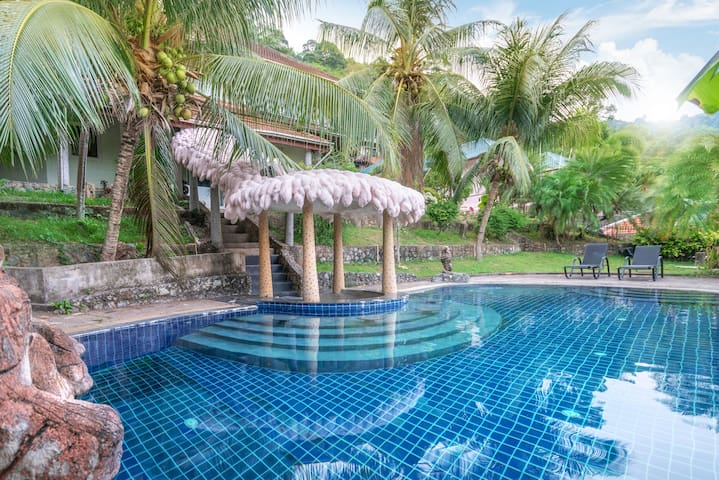 Big 5 bedroom pri. pool villa near Patong - Phuket