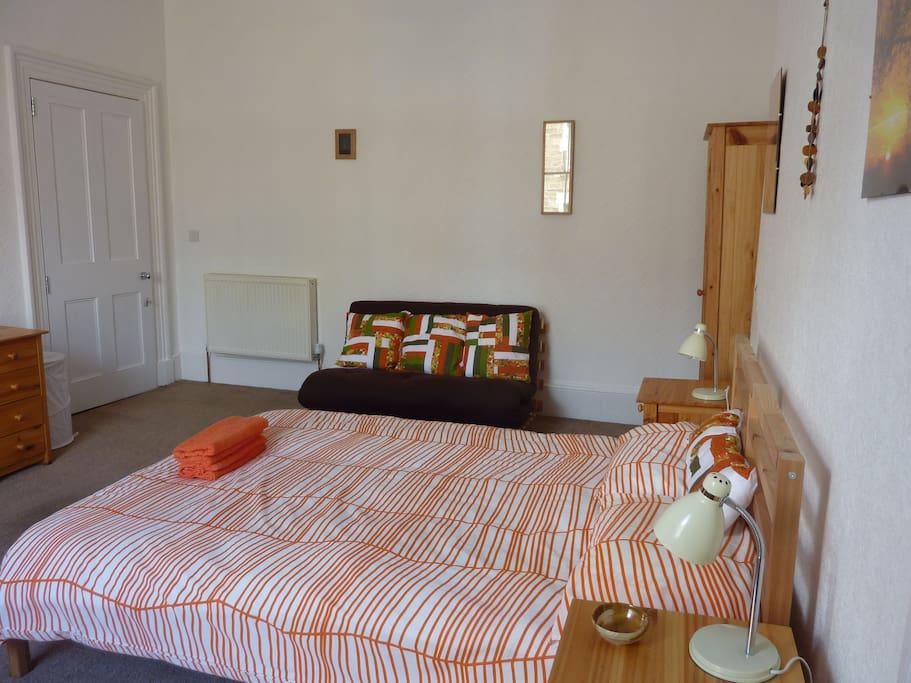 Bedroom 3 - double, with futon
