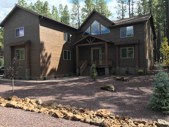 New cabin in Pinetop! Built for large families