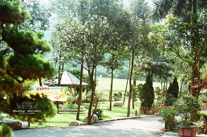 BOBBY GARDEN - A Fine Homestay - Garden.