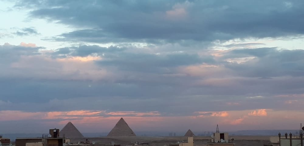 pyramids view apartment & Guide in cairo