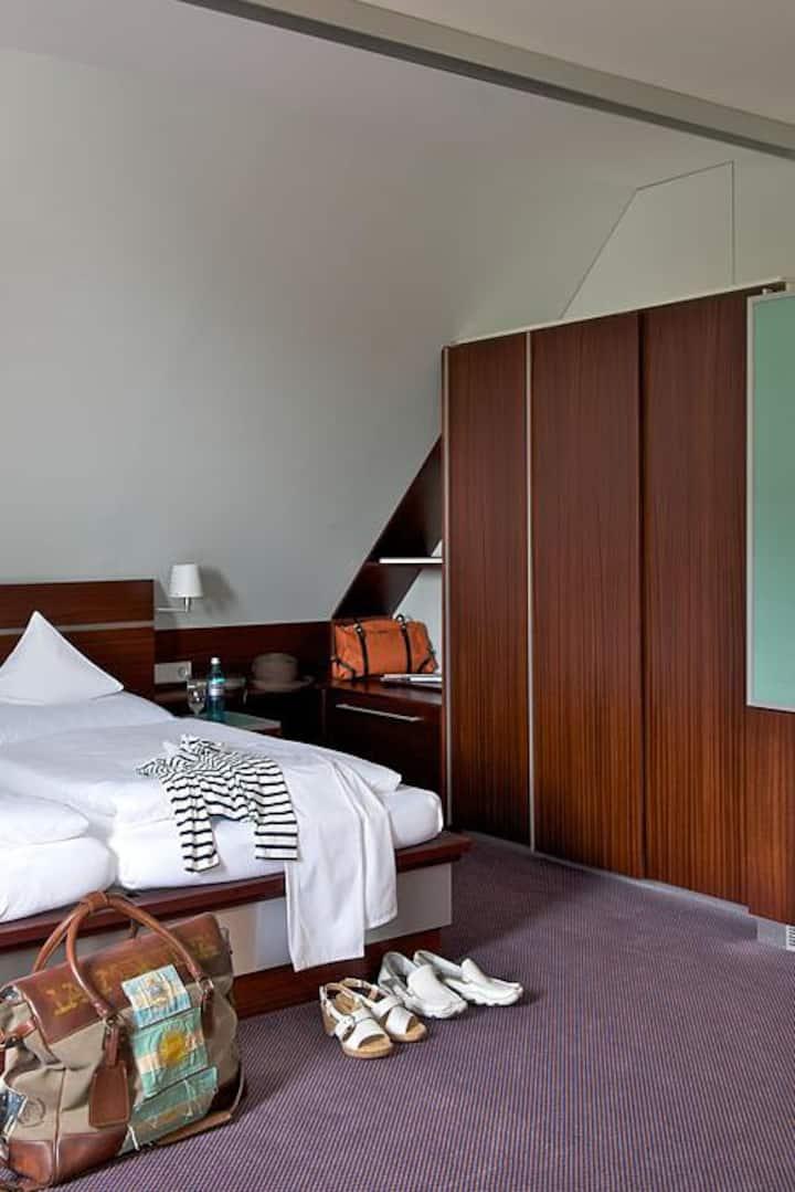 Akzent Hotel Löwen, (Langenargen am Bodensee), Doppelzimmer Ortsseite