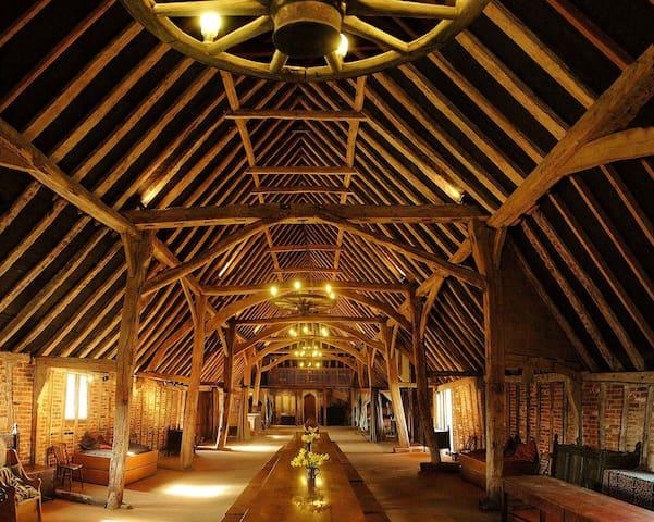 Glorious Tudor barn in rural Suffolk - sleeps 23+