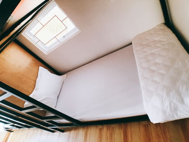(NEW) SINGLE BED for $5.50 - Dreamland Homestay