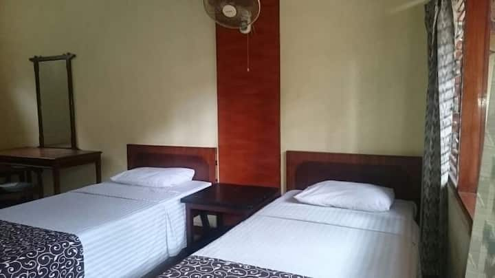Cozy and cheap room near the beach. Monthly discnt