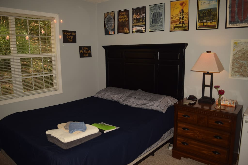Comfortable guest room with 1 queen bed.