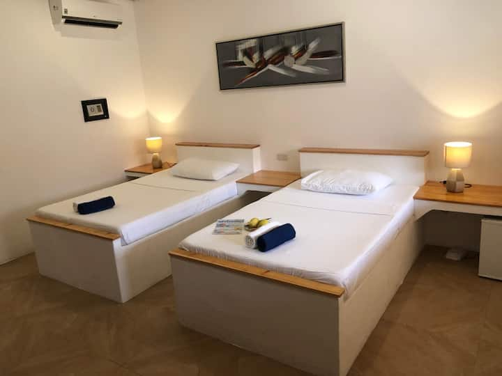 Parrot Resort Twin Bed Room 5 (min. age 14 year)