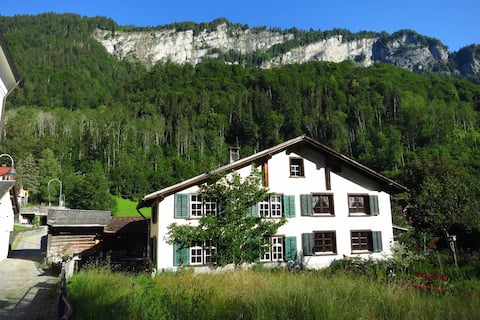 Holidays in 400-year-old Glarnerhaus