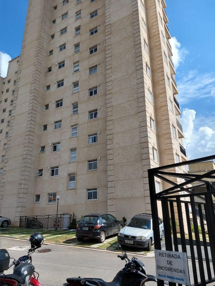 Apartamento novo,  aconchegante, de fácil acesso.
