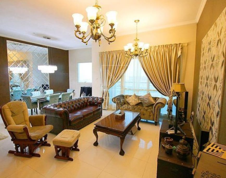 Luxury apt near dubai mall burj khalifa appartements for Chambre de commerce dubai